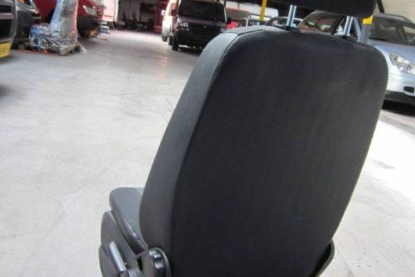 MB Sprinter vanaf 2007 bestuurdersstoel (3)