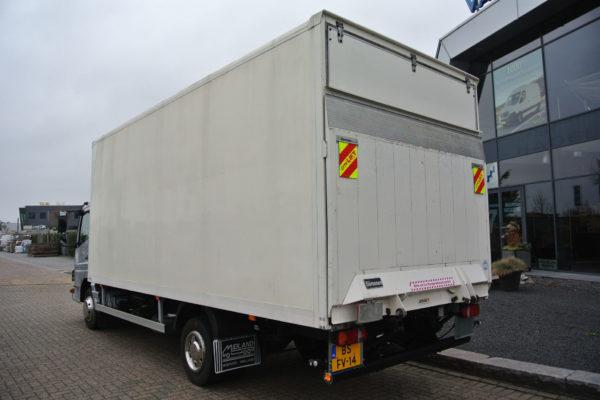 Mercedes-Benz-vrachtwagen-2