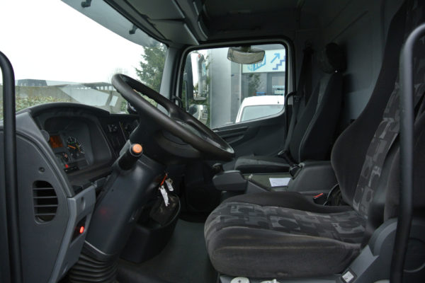 Mercedes-Benz-vrachtwagen-3